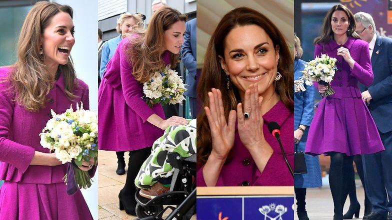"""""""Zwyczajna"""" Kate Middleton podróżuje pociągiem w stylizacji za 17 tysięcy (ZDJĘCIA)"""