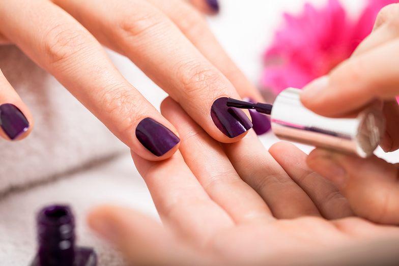 Manicure może być niebezpieczny. Dermatolodzy ostrzegają