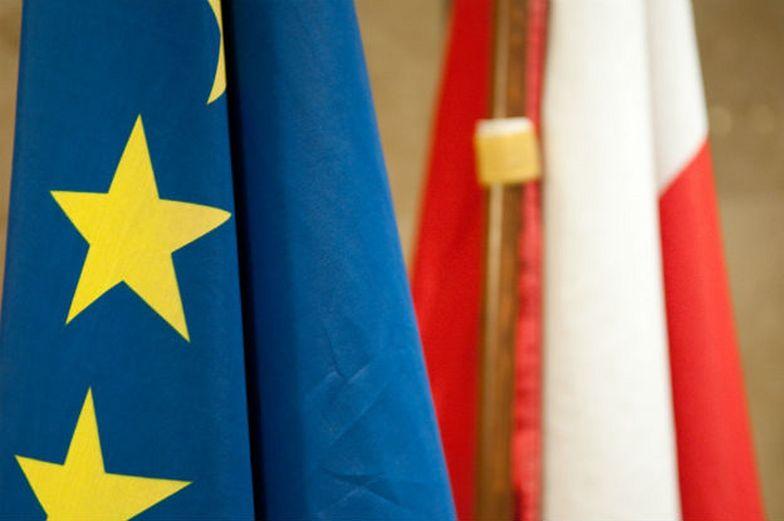 Polacy wierzą, że lepiej im będzie poza strukturami Unii Europejskiej.