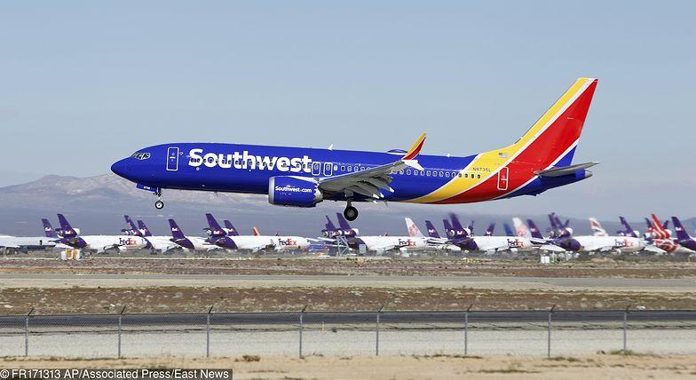 Piloci Boeinga lecieli do bazy w Kalifornii