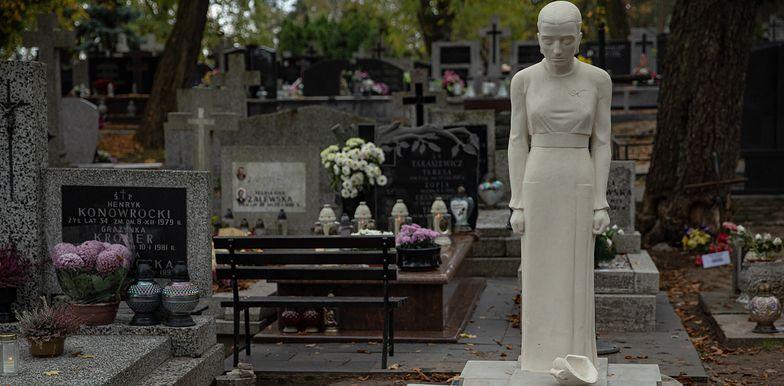 28.10.2019 Warszawa , ulica Mehoffera . Cmentarz Tarchominski . Fot. Dawid Zuchowicz / Agencja Gazetad Zuchowicz / Agencja Gazeta