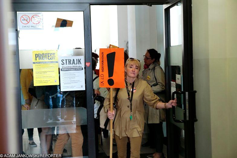 Strajk nauczycieli trwa już trzeci tydzień