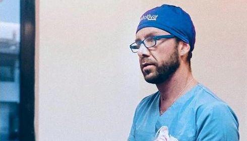 Włochowi ufały setki pacjentów. Oszust nie umiał nawet zdezynfekować rąk