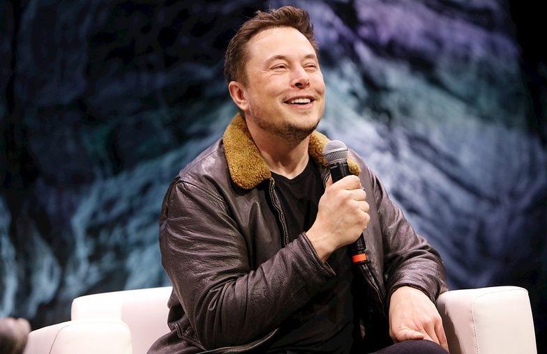 Elon Musk zmienił nazwisko. Na Elon Tusk