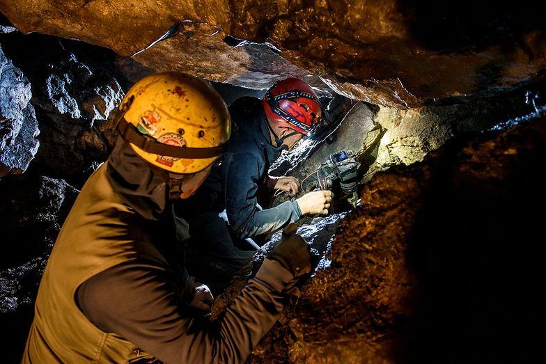 """""""Węgierskie Stonehenge"""". Odkryto skarb z epoki brązu"""
