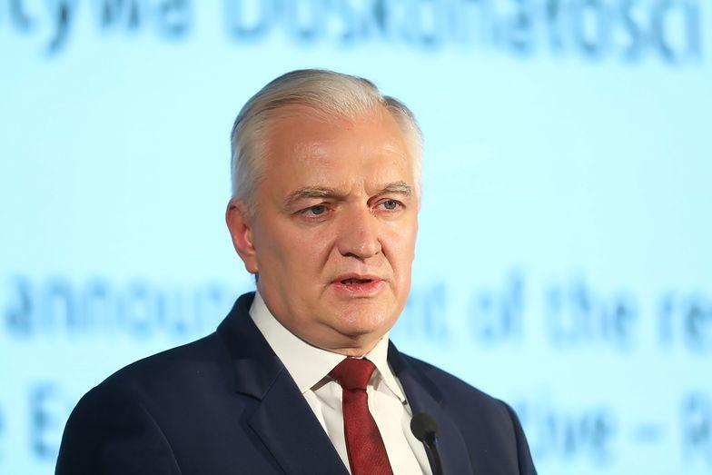 Jarosław Gowin dość późno skomentował wycofanie przez PiS projektu, któremu sprzeciwiało się jego Porozumienie.