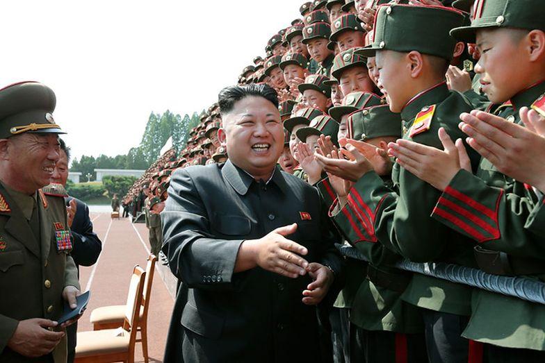 """Przemówienie noworoczne Kima. """"Przycisk atomowy"""" jest zawsze na jego biurku"""