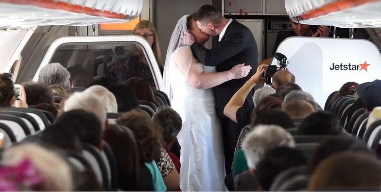 Ślub na pokładzie samolotu. W przypadku tej pary nie mogło być inaczej
