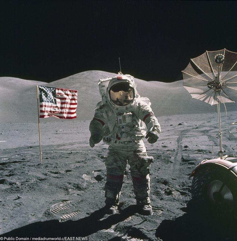 """Rosjanie chcą """"sprawdzić, czy Amerykanie byli na Księżycu"""""""