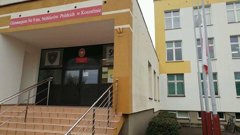 Gimnazjum nr 9 w Koszalinie opłakuje 5 uczennic, które zginęły w pożarze escape roomu.