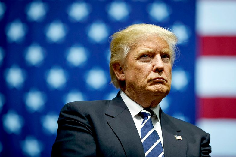 """Donald Trump nazwał koronawirusa """"plagą""""."""