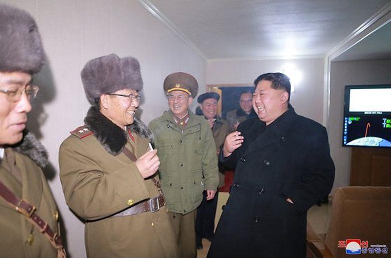 Kim świętuje z generałami