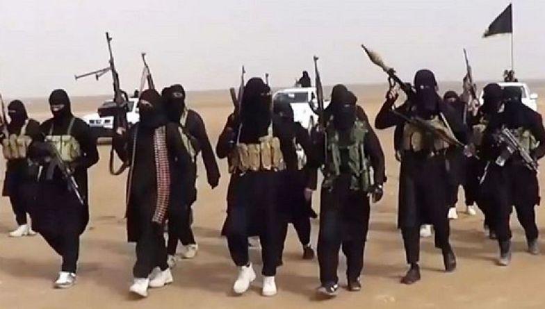 Terroryści ISIS wykonali egzekucję. Nie pomogły błagania