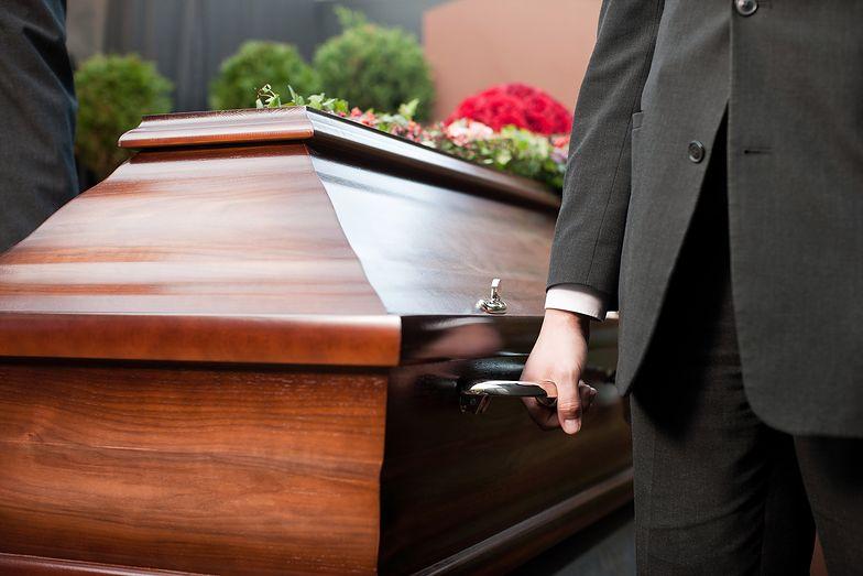 Bliscy w szoku. 95-latek obudził się podczas swojego pogrzebu
