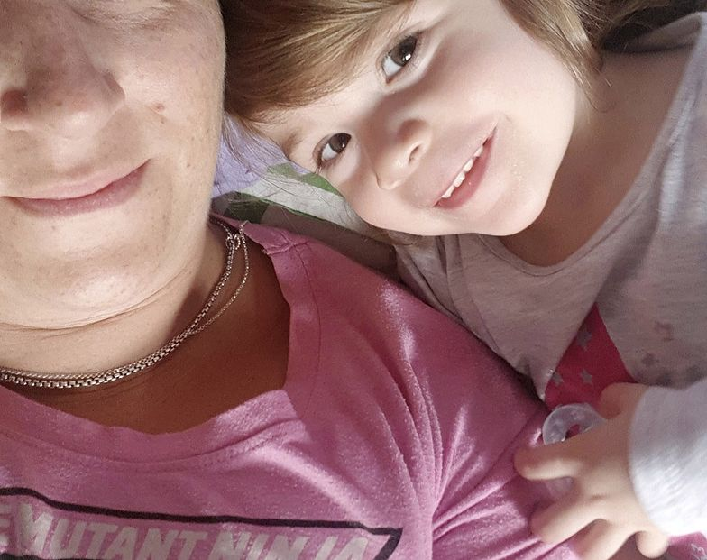 2-letnia Allie Birchall z Atherton zachorowała pięć dni po powrocie z tureckich wakacji.