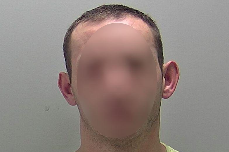 Brytyjscy policjanci w szoku. Pijany Polak trzykrotnie przekroczył prędkość, a potem wypadł z kabiny