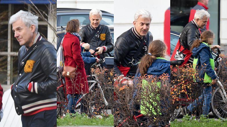 Hubert Urbański na rodzinnym spacerku z dziećmi i ukochaną