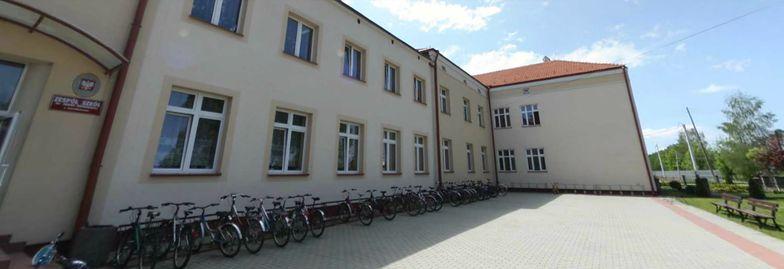 Zatrucie w szkole w Białobrzegach. 250 dzieci ewakuowanych