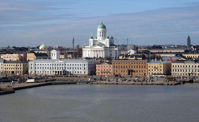 W ramach fińskiego projektu pilotażowego agencja ubezpieczeń społecznych KELA wypłacała 560 euro miesięcznie 2 tys. bezrobotnych osób.