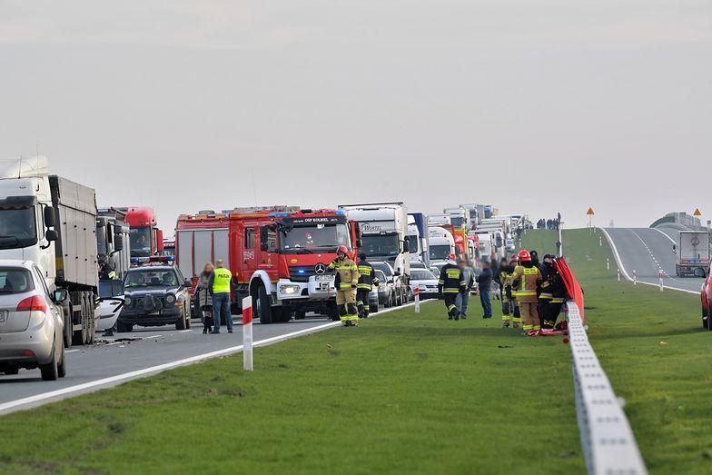 DK17 zablokowana. Tragiczny wypadek w miejscowości Lubice