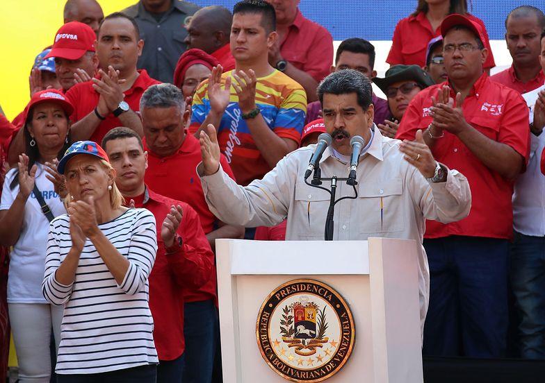 Nicolas Maduro złamał się. Z Wenezueli płynie tłum ludzi
