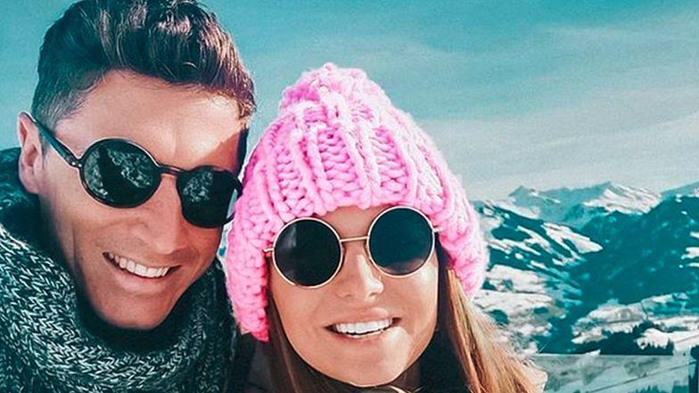 """Zmarznięci Ania i Robert Lewandowscy pozdrawiają z gór: """"Kochamy zimę"""""""