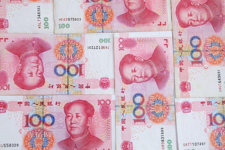 Koronawirus przenoszony na pieniądzach? Chiny palą gotówkę