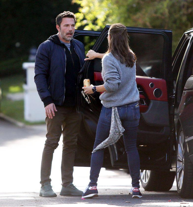 Ben Affleck i Jennifer Garner kłócą się przed domem aktorki w Święto Dziękczynienia (FOTO)
