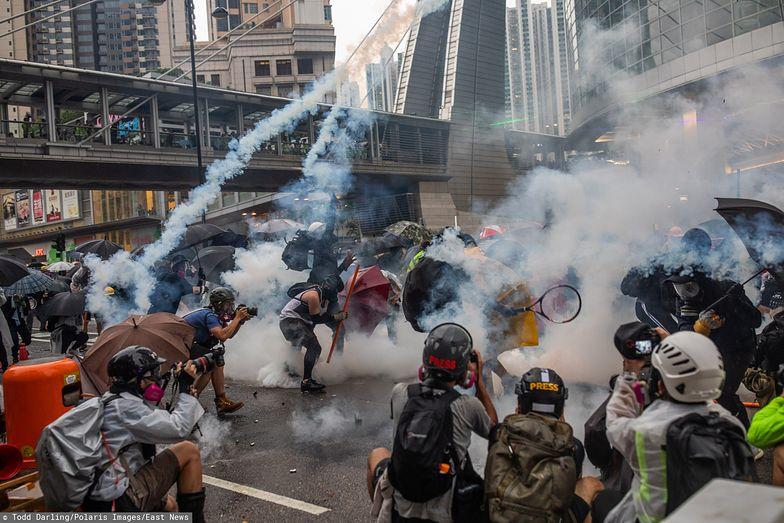 W Hongkongu obywatele od miesięcy walczą z państwem. Cierpi na tym gospodarka.