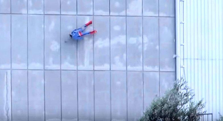 Francuski Greenpeace rozbił Supermana o elektrownię jądrową