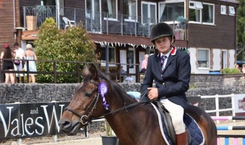 14-letni chłopiec zmarł w szkole w Walii. Był prześladowany przez rówieśników