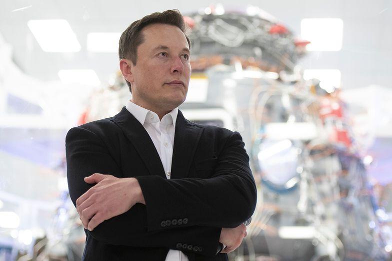Firmy Elona Muska ofiarą hakerów. Wyciekły poufne dane