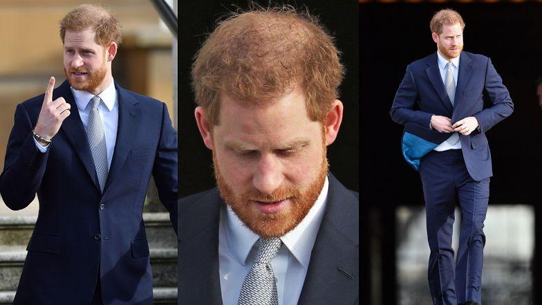 """Książę Harry próbuje się uśmiechać podczas PIERWSZEGO publicznego wystąpienia po """"Megxicie"""". OBŚMIAŁ pytania dziennikarzy... (FOTO)"""