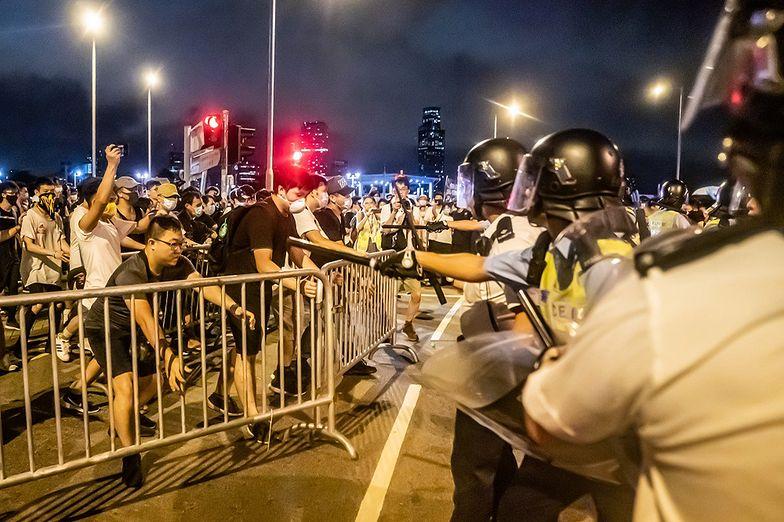 Gigantyczny protest i zamieszki w Hongkongu. Władze nie ustępują