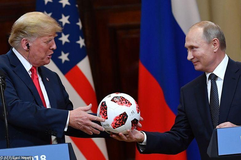 Piłka, którą Putin dał Trumpowi, może zawierać mikrochip
