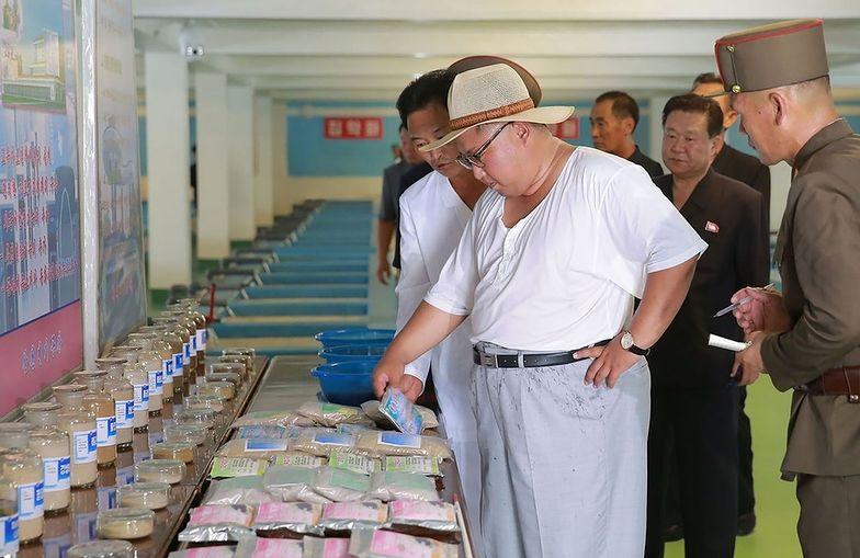 Dyktator ogląda produkty spożywcze
