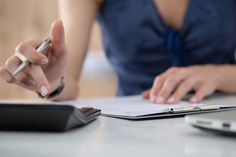 Kalkulator urlopu wychowawczego pozwala na określenie, jak długo może trwać urlop i kiedy się skończy