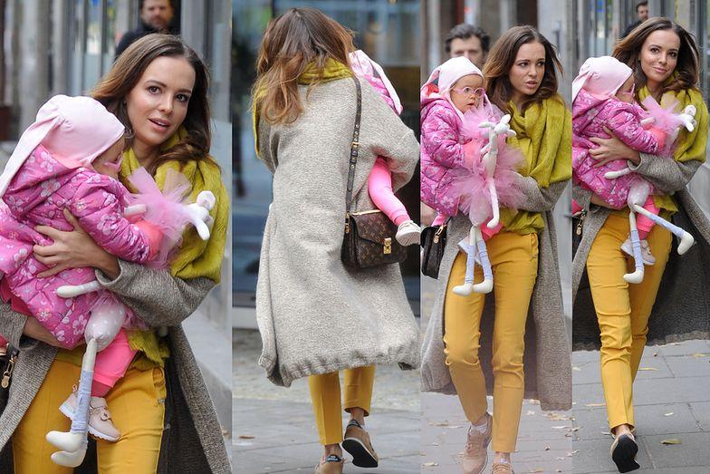 Wendzikowska z córką na spacerze