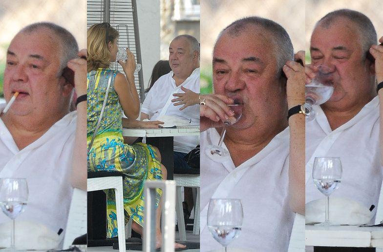Stanisław Soyka z żoną relaksuje się w restauracji