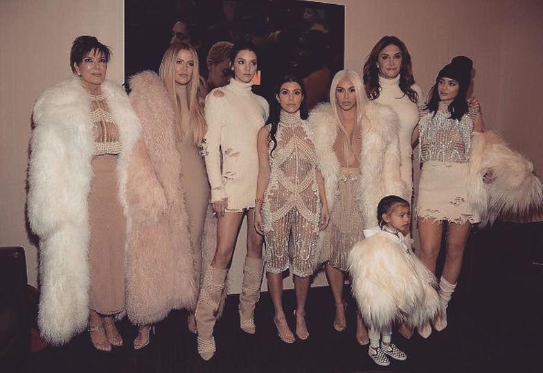 Kardashianki chwalą się futrami na Instagramie