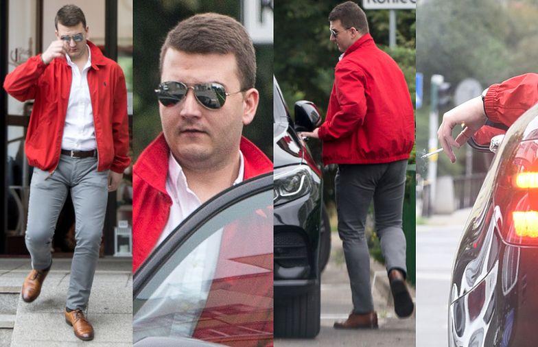 """Wypielęgnowany Bartłomiej Misiewicz opuszcza Studio Urody """"Grażyna"""""""