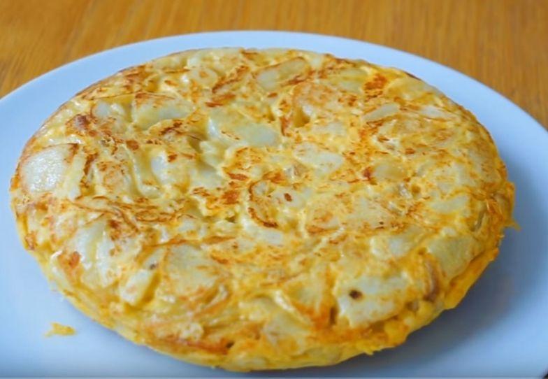 Hiszpański omlet z ziemniakami. Tanie, proste i jakie smaczne