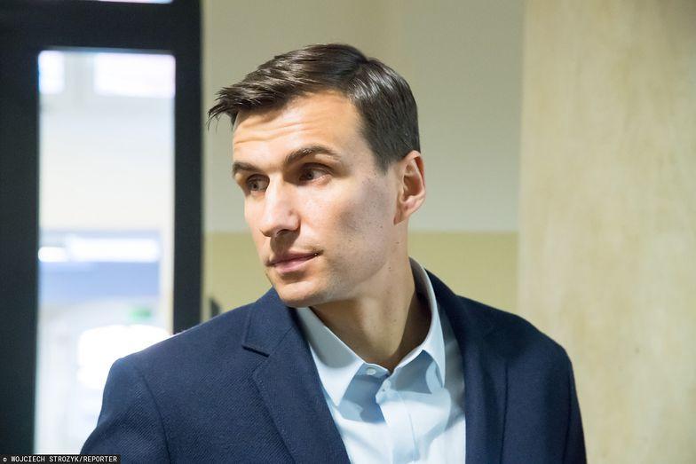 Jarosław Bieniuk ma nową partnerkę. To znana modelka. Jej zdjęcia są oszałamiające