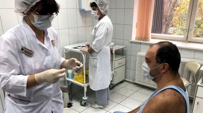 Rosyjska szczepionka na COVID-19. Niepokojące doniesienia z Kraju Ałtajskiego