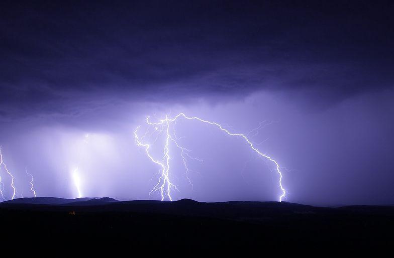 Radar burz. Gdzie jest burza? IMGW ostrzega przed groźnymi zjawiskami