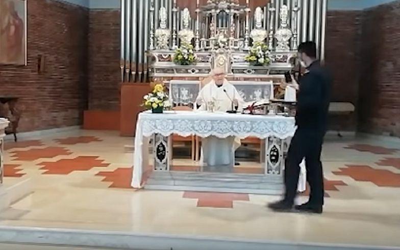 Koronawirus we Włoszech. Ksiądz odprawił mszę mimo zakazu, wszyscy uczestnicy dostali mandaty