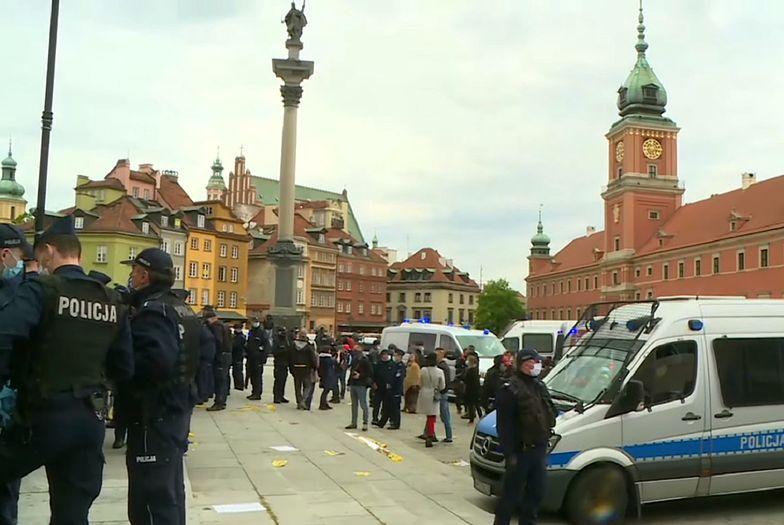 Policja zdementowała plotki, jakoby jeden z uczestników protestu zmarł.