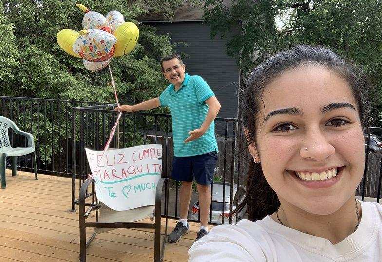 Julio Cesar Segura zaskoczył córkę w dniu jej 19. urodzin