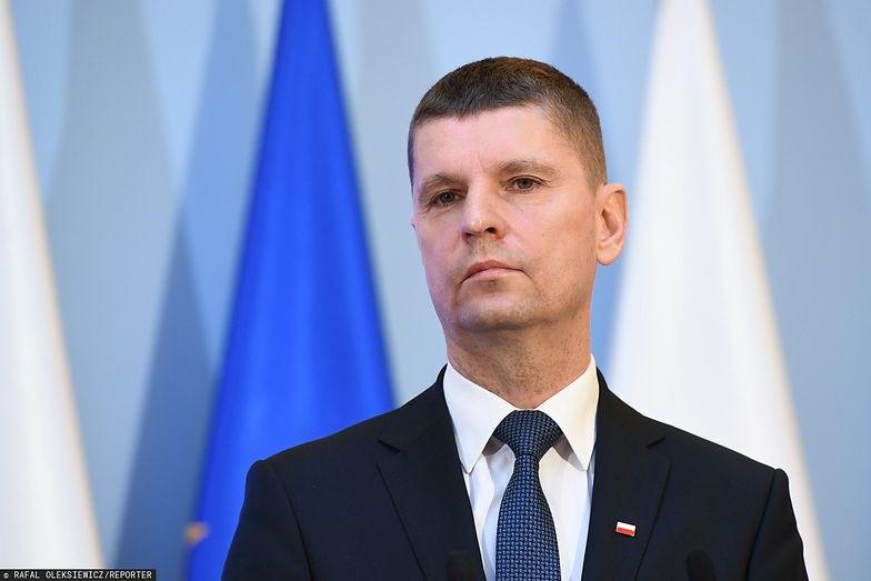 Minister Dariusz Piontkowski wyjaśnia, jak będą wyglądać pensje nauczycieli w dobie e-learningu
