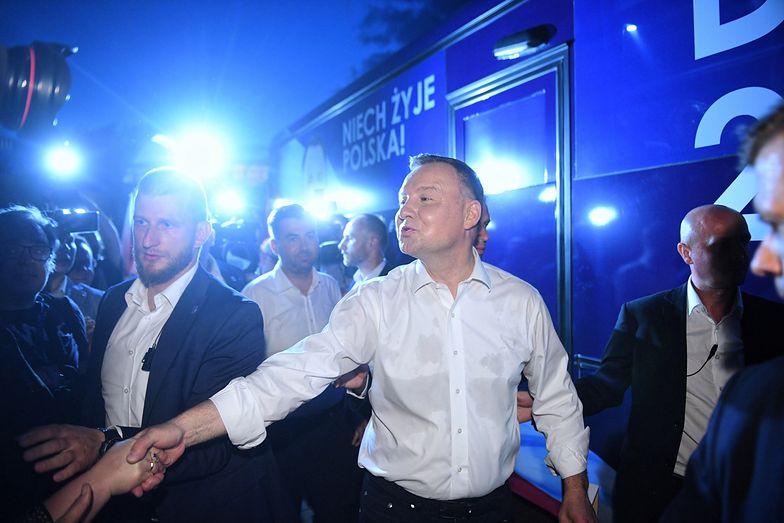 Wyniki wyborów. PKW liczy głosy. Andrzej Duda zwiększa przewagę